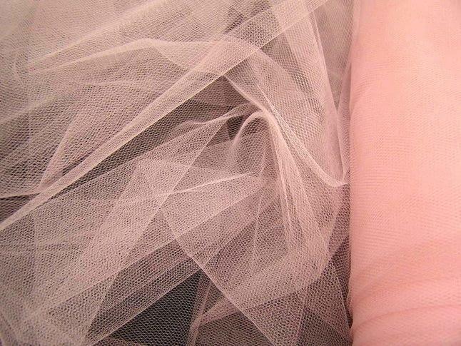 Можно ли гладить фатин: как ухаживать за материалом?