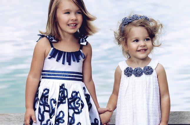 Детская одежда: из какой ткани шить?