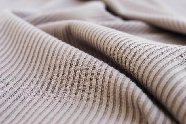 Трикотаж - один з найцінніших матеріалів XXI століття: що зшити і як прати
