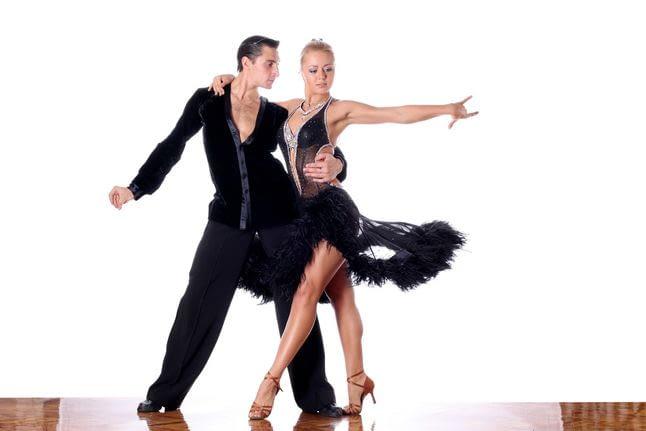 Как выбрать ткань для платья для бальных танцев?