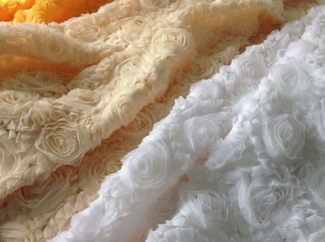 Где использовать ткань сетка с розами?