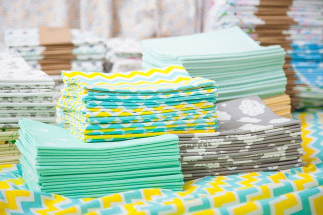 Ткани для пеленок, которые не вызывают аллергии: какие выбрать?
