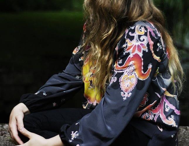 Шовкова блуза: переваги та недоліки предмета гардероба