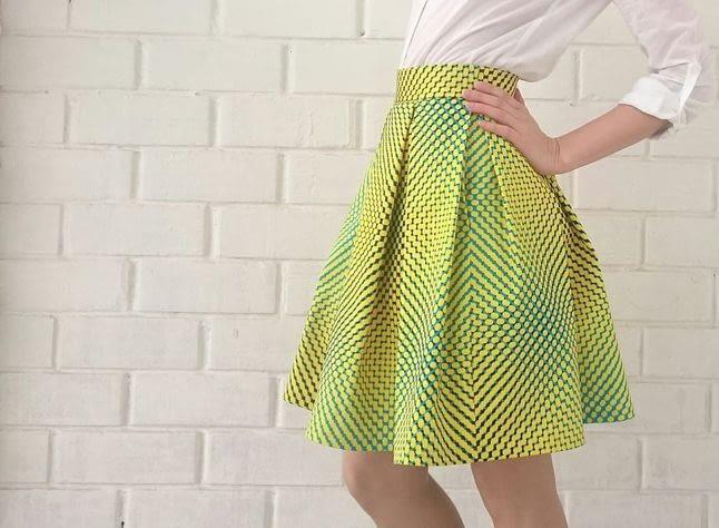 Какую ткань следует выбрать при пошиве летней юбки?
