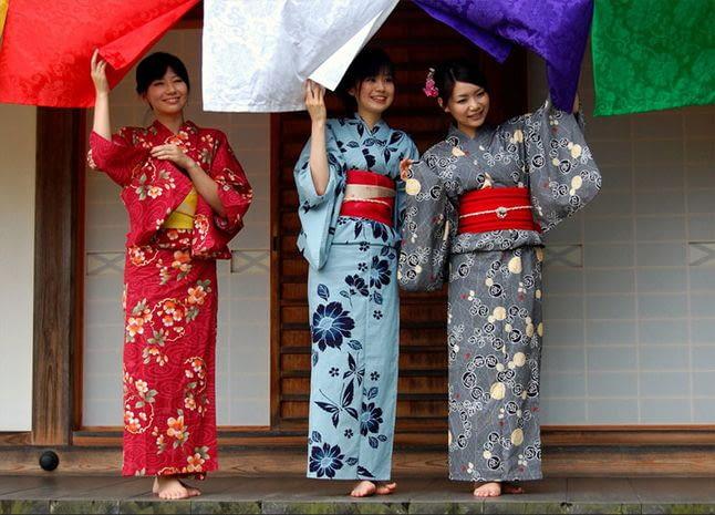 Какую ткань лучше выбрать для пошива кимоно?