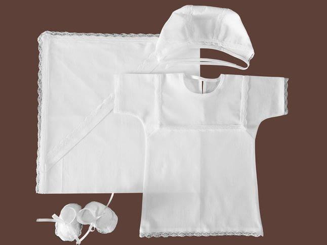 Комплекты одежды для крещения ребенка: что входит в набор?