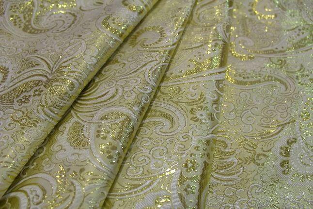 С каким текстилем сочетается парча?